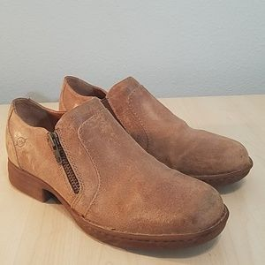 Born brown tan leather booties side zipper size 8